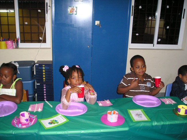 Kerstdiner, Thais Ann, Tiffany en Riangelo