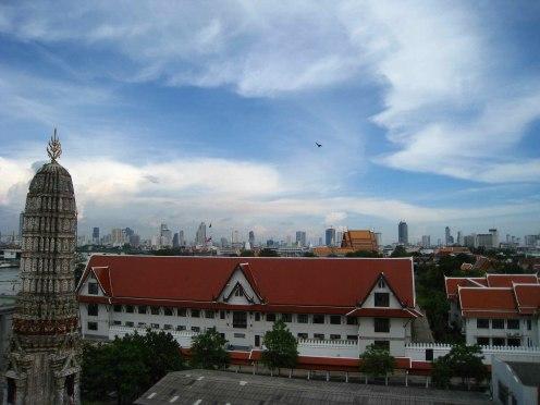 Skyline Bangkok vanaf Wat Arun tempel