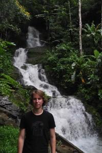 Robert bij een waterval