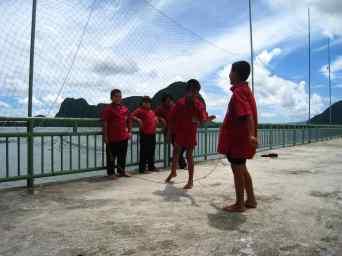 Springtouwen op het schoolplein