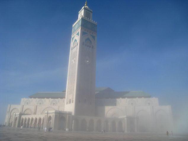 Hassan ll moskee in de mist