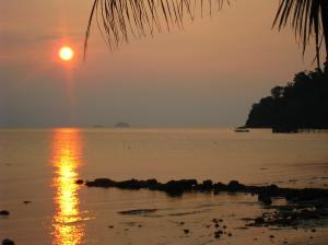 Zonsondergang vanuit Hallo Sunsetbar
