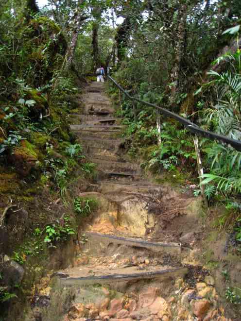 2e km, steile trappen