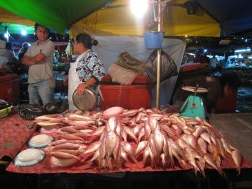 Vismarkt op de night market