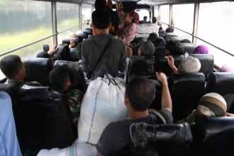 De bus naar Bekasi