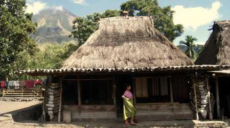 Traditioneel huis in Bena