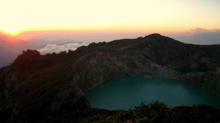 Twee meren bij Kelimutu vulkaan
