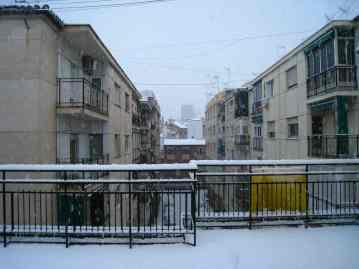 Sneeuw op ons dakterras