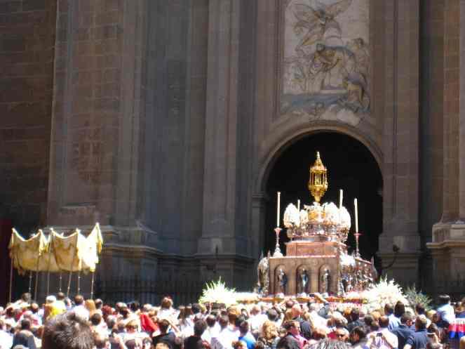 Processie voor de kathedraal