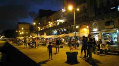 Ribeira by night